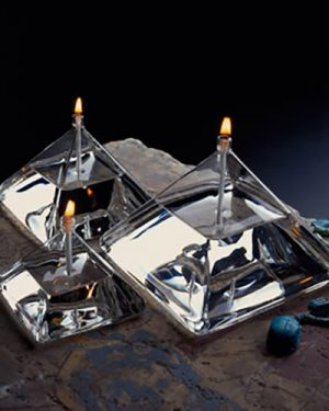 Pyramid Oil Candle